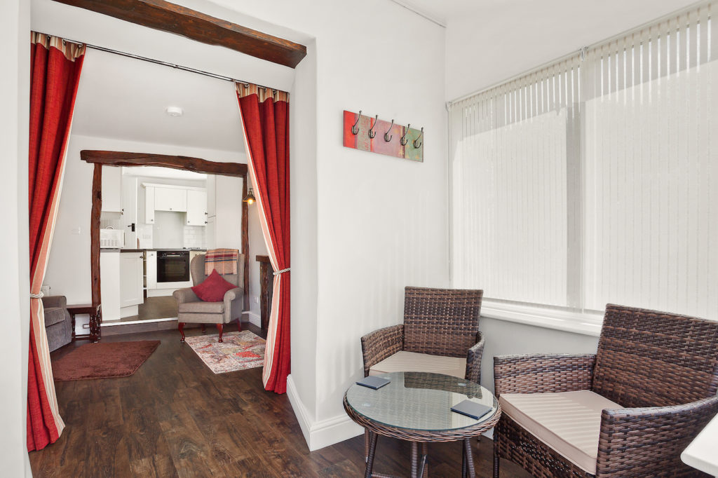 Sun Room & Lounge
